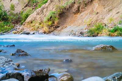 Water rushing over rocky bottom of Rangatikei River