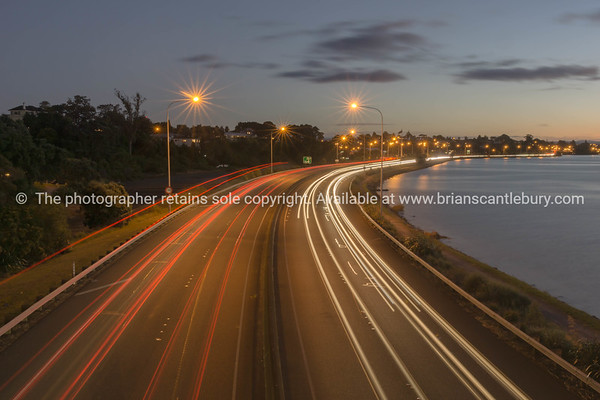 Tauranga Takitimu Expressway in dark of night
