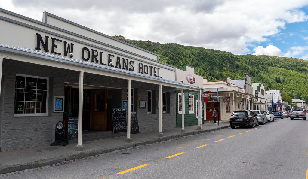 Day Trips From Queenstown: Historic Arrowtown - downtown street