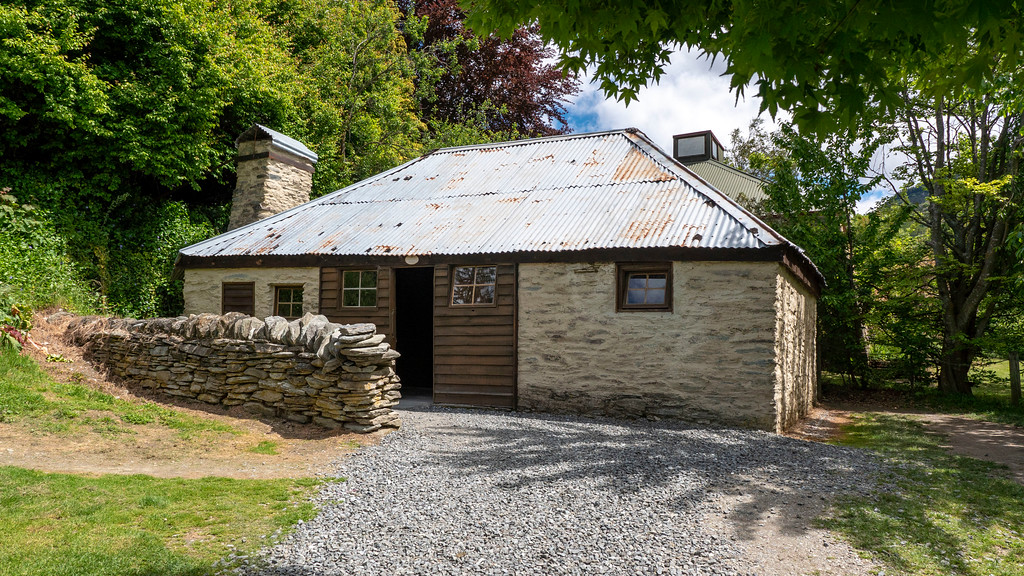Day Trips From Queenstown: Arrowtown's Chinese Settlement