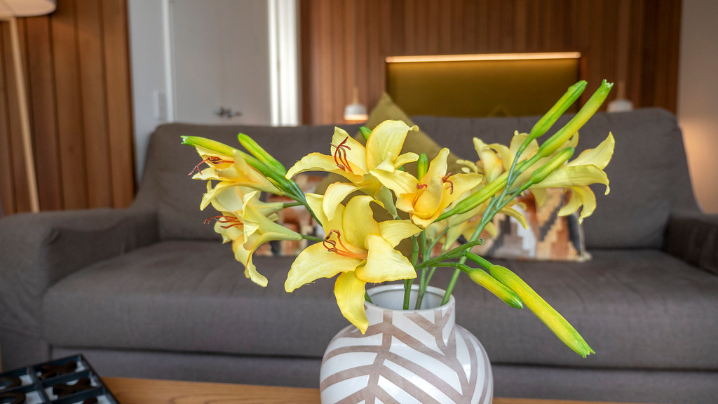 Rainforest Retreat in Franz Josef New Zealand: Fresh flowers