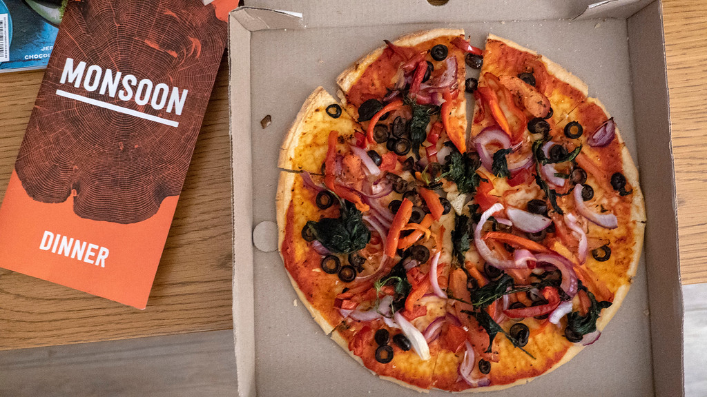 Rainforest Retreat in Franz Josef New Zealand: Vegan pizza from Monsoon Restaurant
