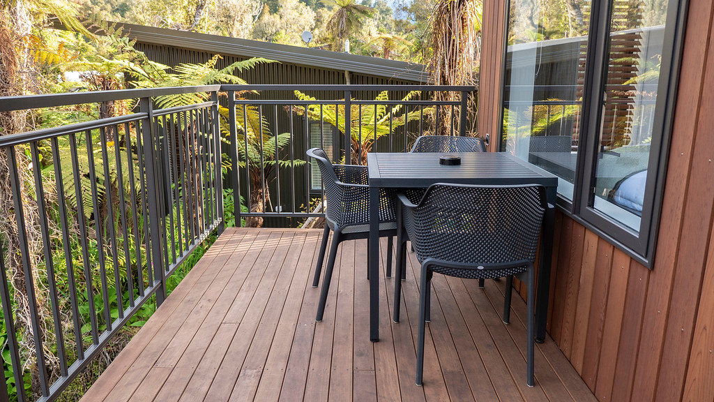 Rainforest Retreat in Franz Josef New Zealand: Balcony of the Deluxe Tree Lodge