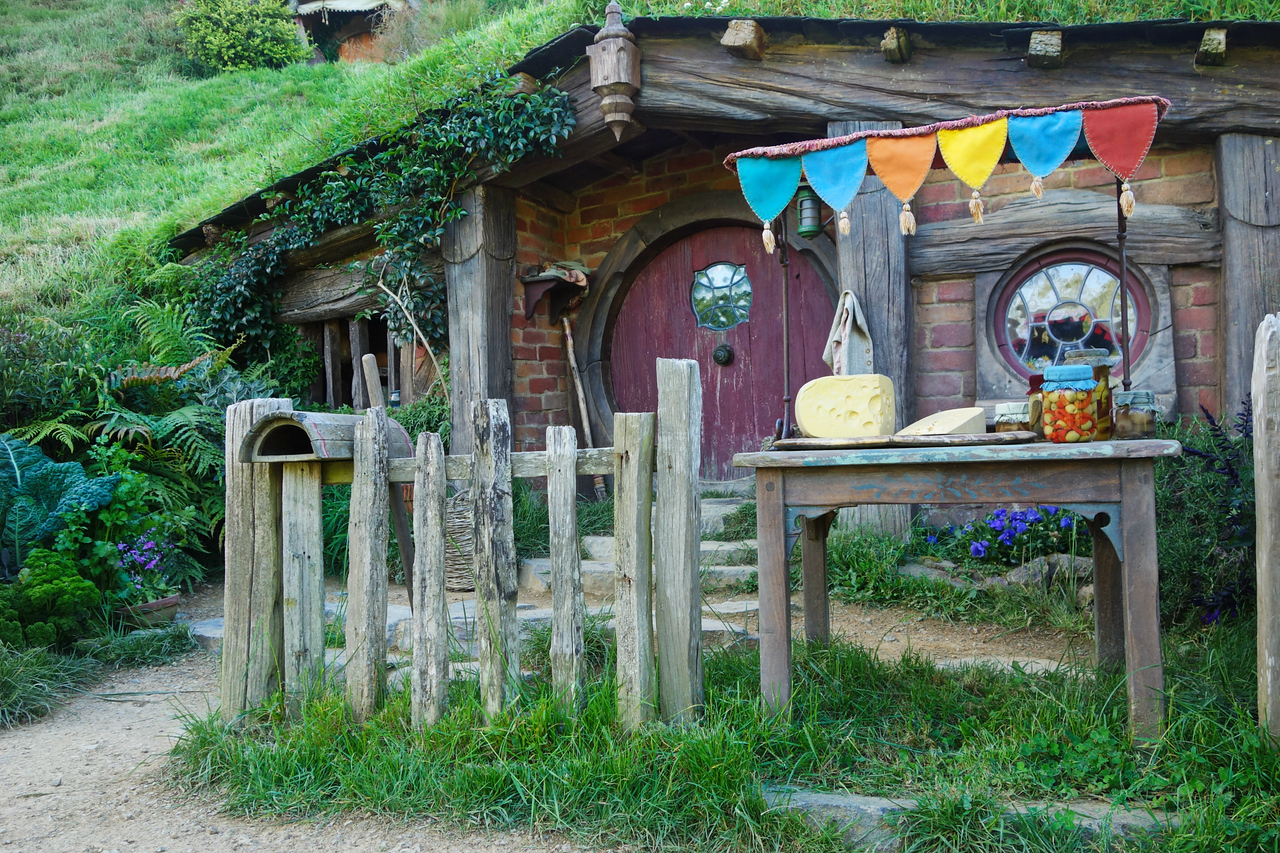 Details of each hobbit hole give clues to the relative wealth and occupation of each resident.
