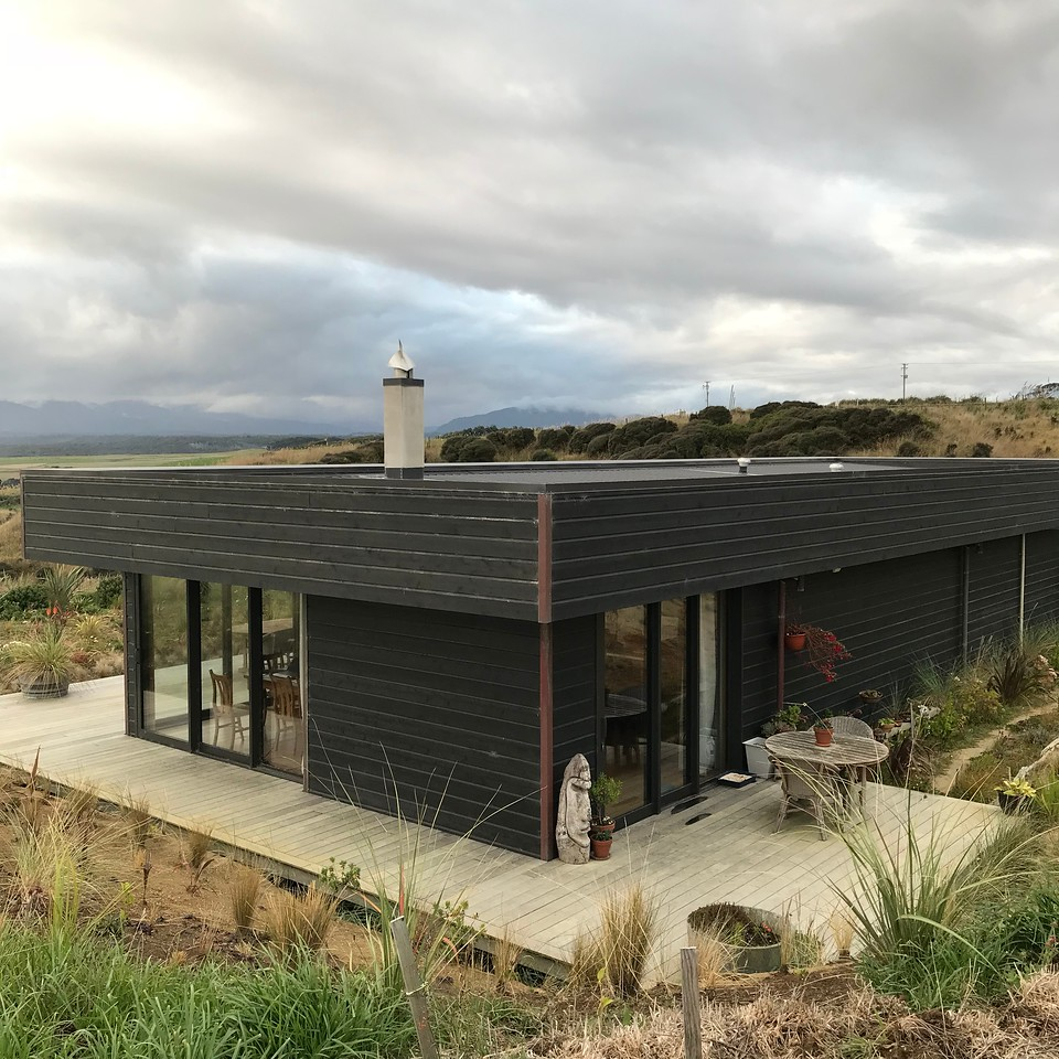 2018-02-21 - 04 The house at The Cliffs in Papatotara, NZ