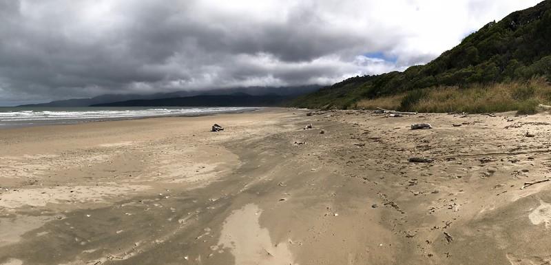 2018-02-22 - 02 Humpridge Track 03 Beach near Rowallan, NZ