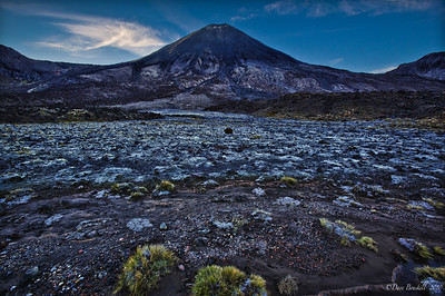Tongariro-Crossing-New-Zealand-1