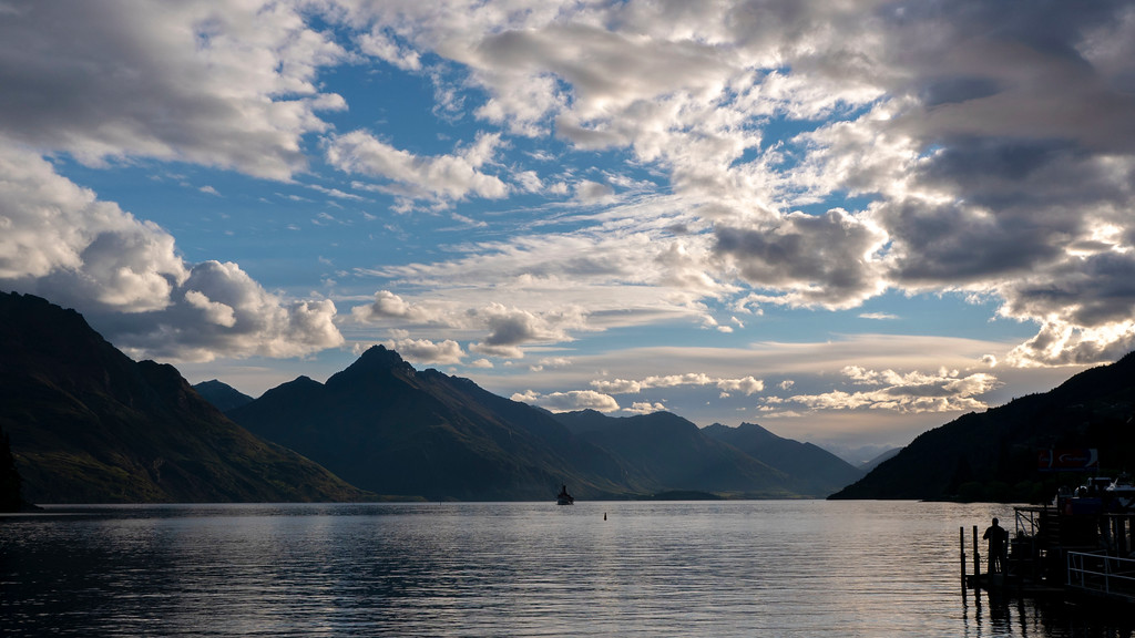 Things to Do in Queenstown: Queenstown Bay at dusk