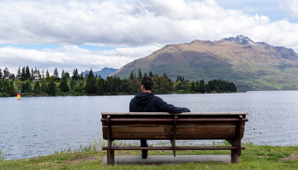 Things to Do in Queenstown: Stopping for a rest on a park bench