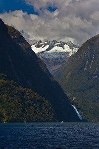 Milford-Sound-New-Zealand-cruise-8