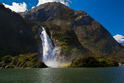 Milford-Sound-New-Zealand-cruise-9