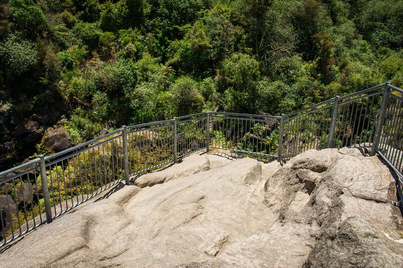 Aratiatia Dam overlooks