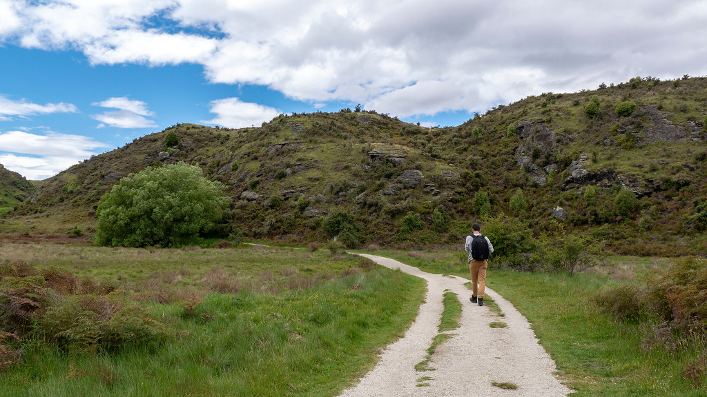 Things to do in Wanaka NZ - Hiking at Diamond Lake Wanaka