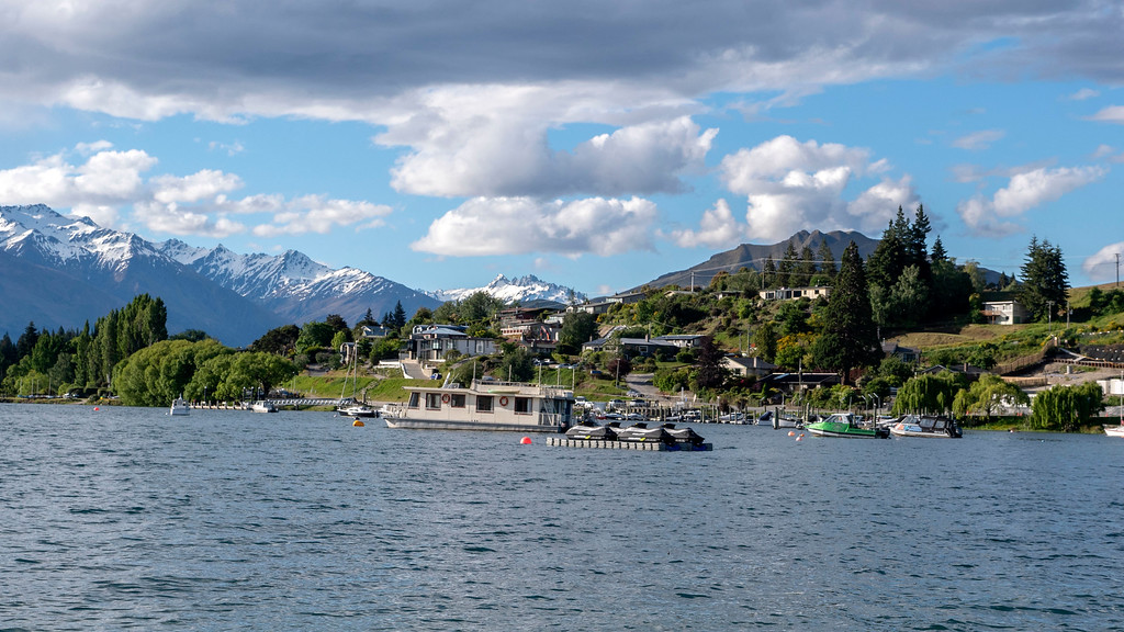 Lake Wanaka Waterfront - Best Things to Do in Wanaka New Zealand