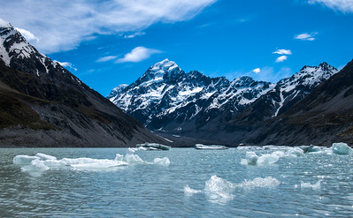 Mt. Cook - ice from glacier