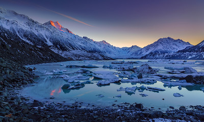 Tasman Lake Sunrise