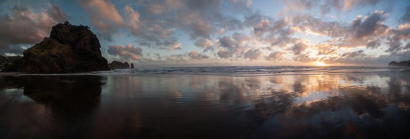 Panoramic view of Piha beach, Auckland, New Zealand