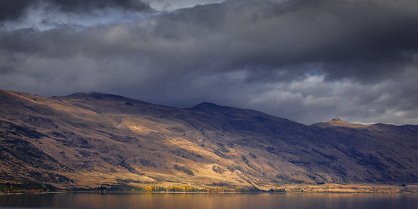 Wakatipu Storm Light