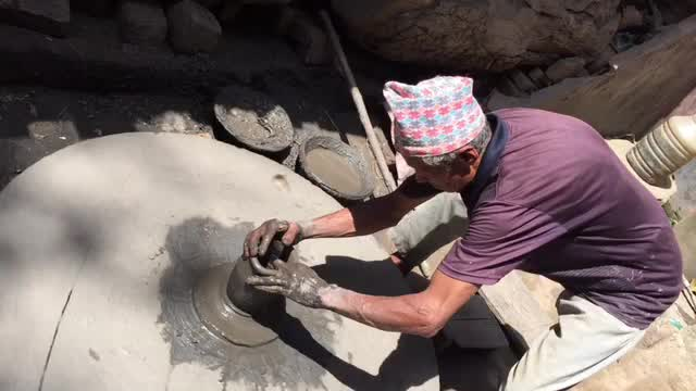 2017, Nepal, Katmandu, pot making.