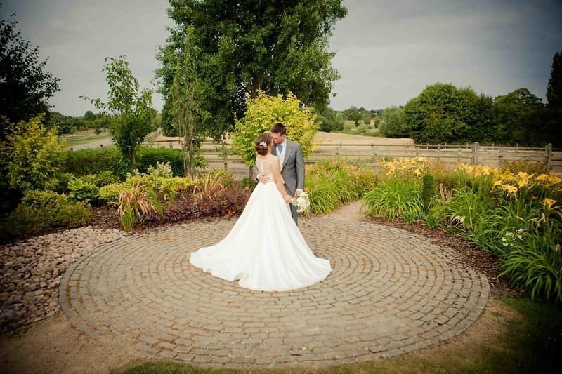 wedding photographer by jenny mythe barn