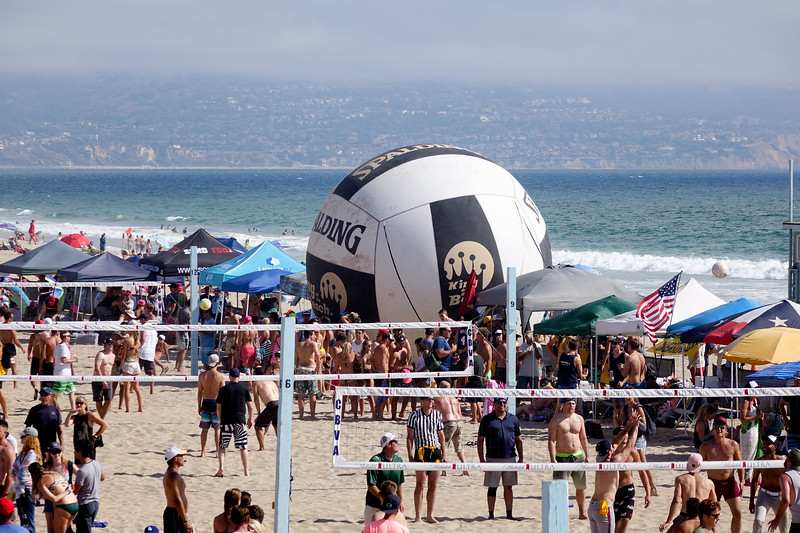 Volleyball in Manhattan Beach during 6 Man tournament
