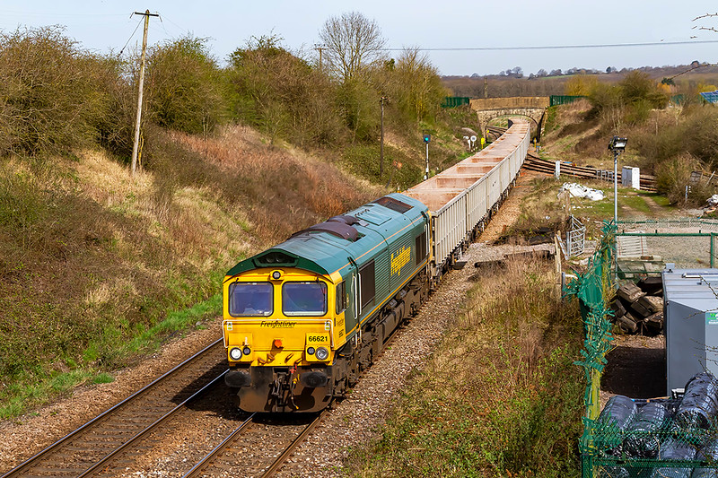 30th Mar 2021:   Crossoing Hawkeridge Junction is 66621 that ia working 6C68 from Avonmouth to Whatley Quarry.