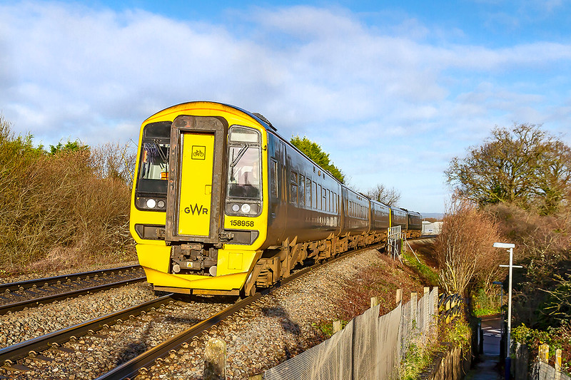 21st Dec 2019:  Taken only so that I could see where the shaddows were now that the embankments have been cut back at Dilton Marsh.  158958 leading on 1F09 the 08.27 Cardiff to Portsmouth Harbour