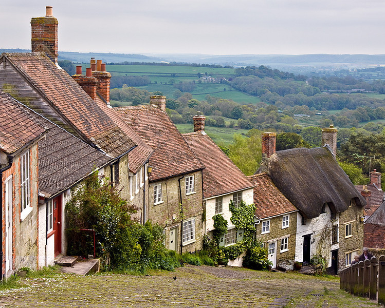 20th May 12:  The famous Gold Hill in Shaftesbury.  Though born less than 20 miles from this spot it has taken me 70 years to make my first visit