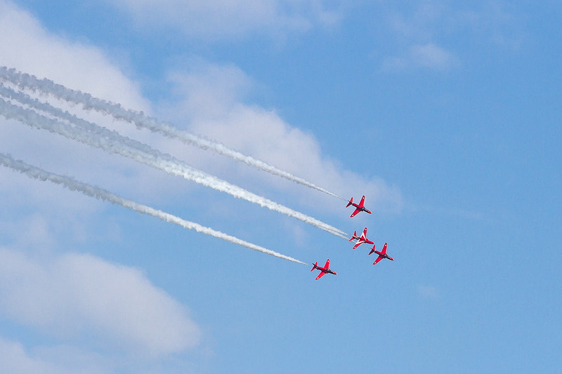 15th Aug 2015:  Doing loops and rolls in formation must be scary enough but when  one in the formation is upside down   !!!!!!!!!!!!!!!