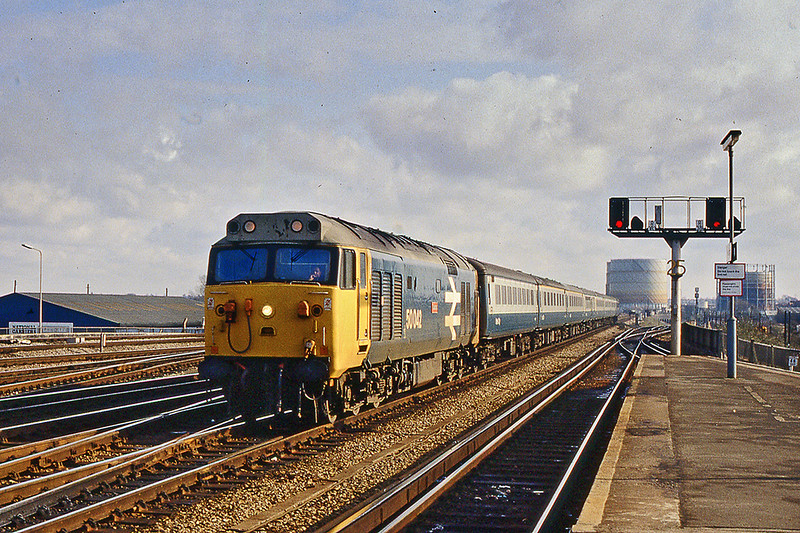 13 Feb 1983:  50042 'Triumph' at Reading with the 10.50 Paddington to Oxford