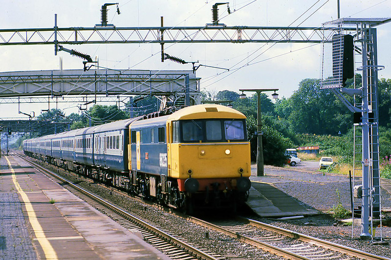 10th Aug 81:  86235 'Novelty' at Cheddington with  the 10.00 Euston to Holyhead