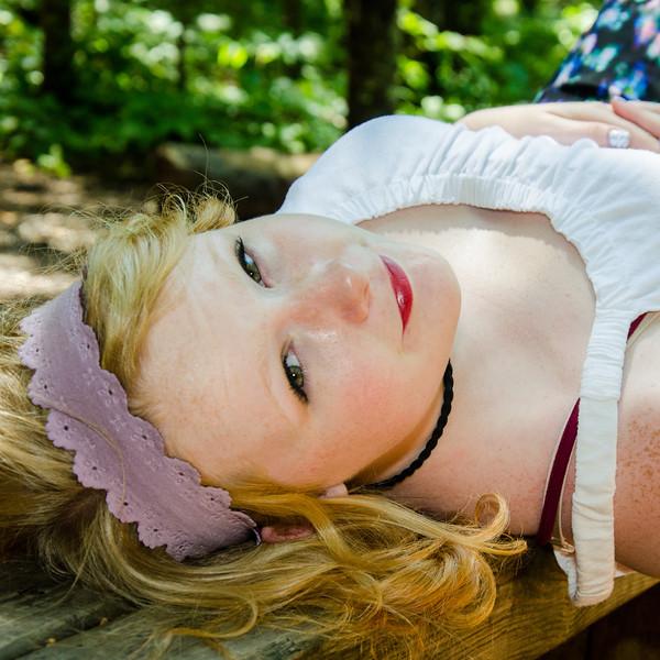senior girl portrait on picnic table