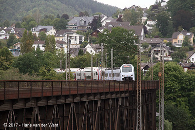 A combined DB and CFL train on the Mosel bridge outside Bullay (8 sept 2017).