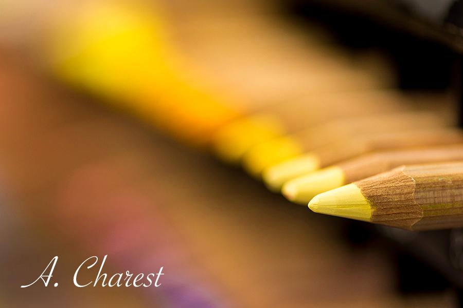 Crayons jaunes