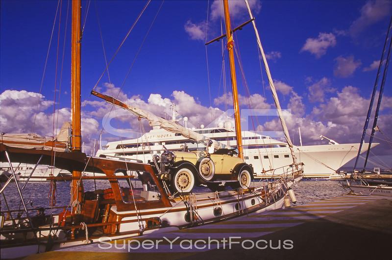 Bugatti on yacht (1)
