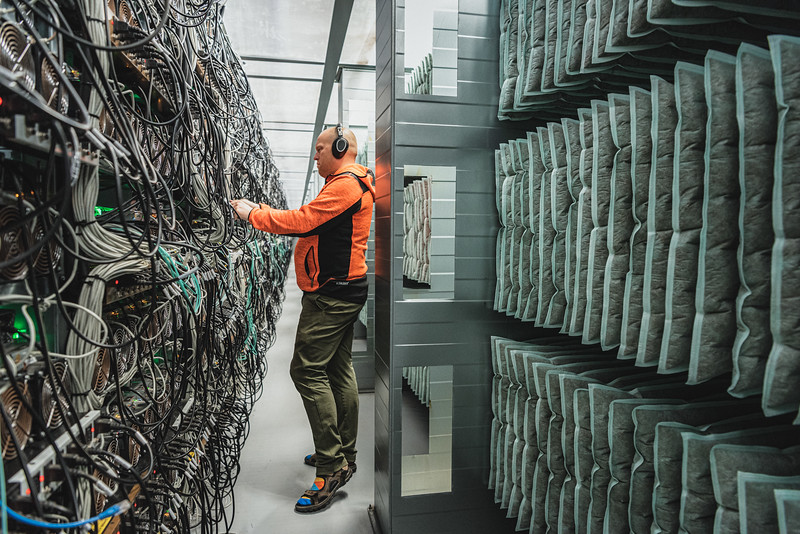 Ivar Smári Magnússon, divisional manager, in Genesis Mining data center in Keflavík.<br /> Here, tens of thousands of GPUs perform the complex calculations needed to validate cryptocurrency transactions and add them to the blockchain digital ledger. Genesis Mining is one of the leading hashpower providers in the world, offering cryptocurrency mining as a service and allowing users to mine cryptocurrencies without their own hardware.