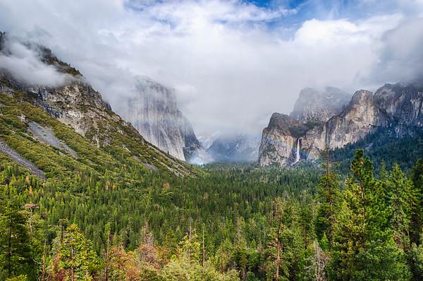 Tunnel View Rainbow - Yosemite-2