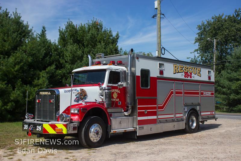 Ferrell, Gloucester County NJ, Rescue 39-28, 1991 Freightliner-Saulsbury (C) Edan Davis, www sjfirenews com  (1)