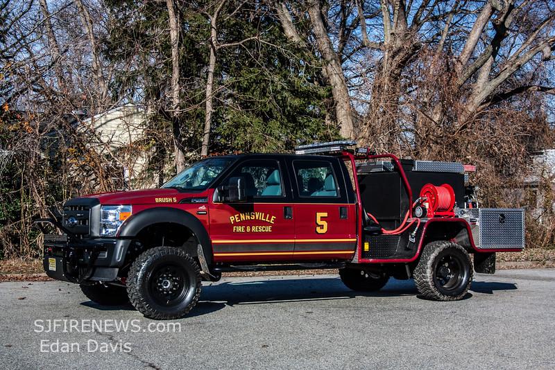 Pennsville, Salem County NJ, 2015 Ford F450 4X4 - 1st Attack, 120-250, (C) Edan Davis, www sjfirenews (2)