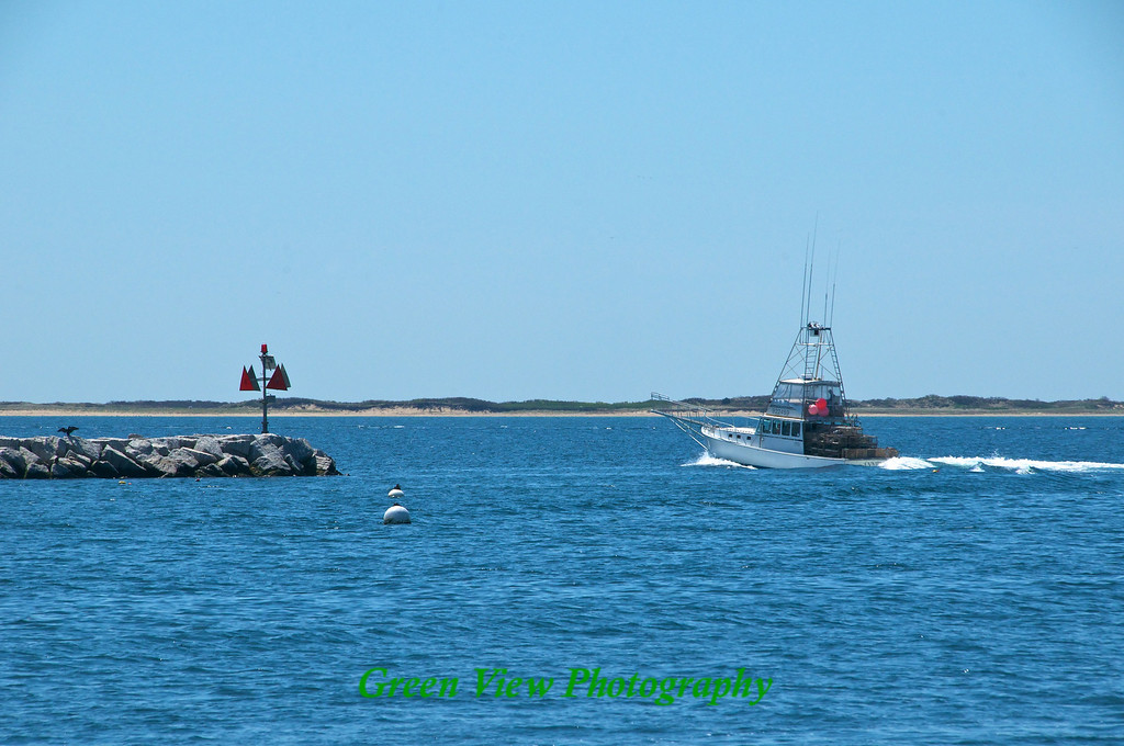 Leaving the harbor -- Provincetown