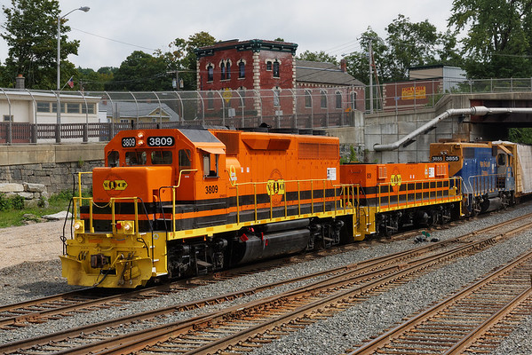 Caught these guys switching in the CSX yard in Palmer, MA today - NECR GP40CU #3809, slug #809 (both in new G&W paint) and NECR 3855. 8/30/2013 - 598C6603dK