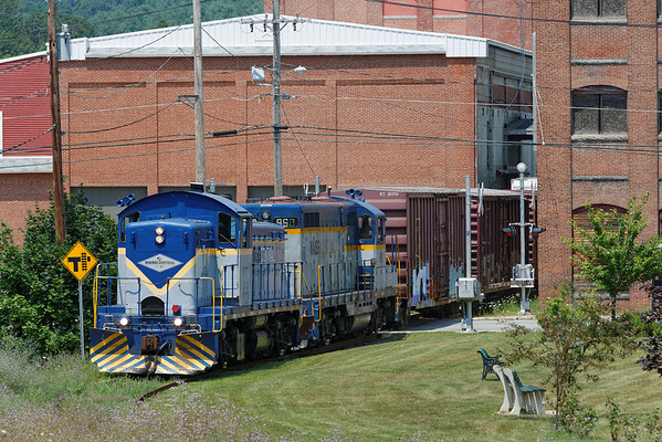 Mass Central - Ware to Barre: spotting cars at the mill complex at Barre Plains. 7/17/2013 - 598C2553dK