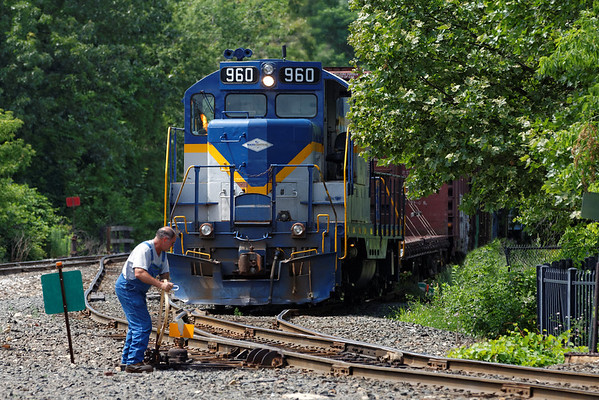 Mass Central 960 coming out of their yard to do some switching in the CSX yard at Palmer, MA. 7/3/2013 - 598C1233dK