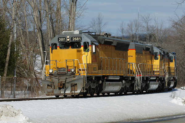 NECR heads south to Monson with three units - 2681, 2714 and 721. 2/13/13 - 598C6192dK