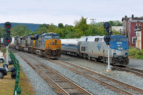 With 103 on the point, the Vermonter holds the yard lead as eastbound Q422 crosses from the main onto the controlled siding at MP83, Palmer, MA. 9/16/2013 - 598C7853dK