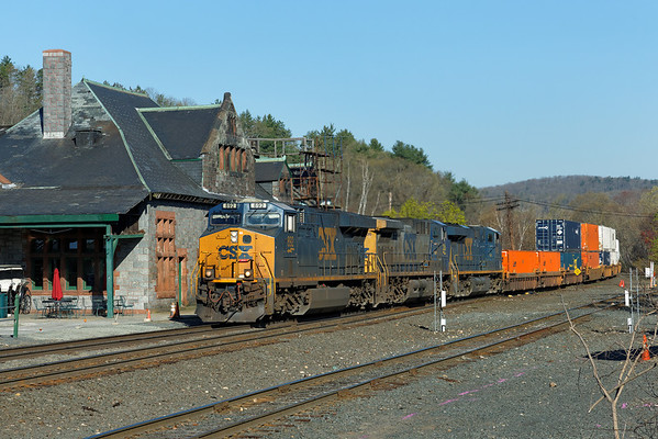 CSX train Q012 at MP83, Palmer, MA. 5/1/2013 - 598C9240dK