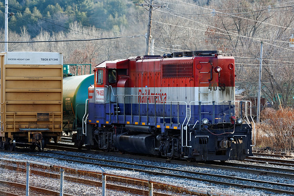 RailAmerica (TPW) 4053 comes north into the NECR yard at Palmer, MA. 12/30/2013 - 598C1838dK