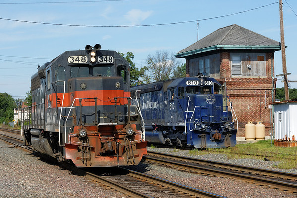 PAR switchers FI-1, #348 and AY-1, #610 at the AY tower at Ayer, MA. 8/16/2013 - 598C5760dK