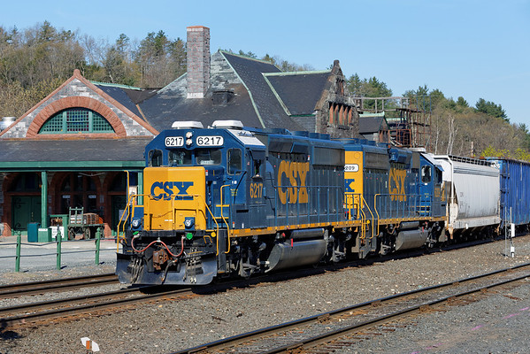 CSX train B740, the Springfield Local, heads into the yard at MP83, Palmer, MA. 5/1/2013 - 598C9255dK