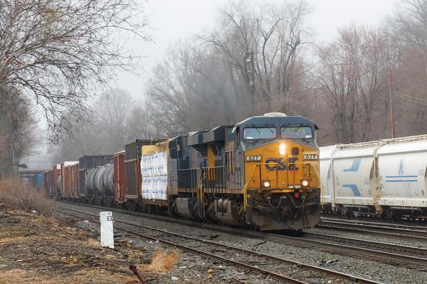 CSX train Q426 rolls through the early morning fog at MP83 in Palmer, MA. 4/21/2015 - 598C5812dK